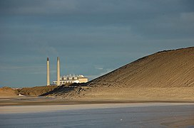 A power station and its waste ash - geograph.org.uk - 1569105.jpg