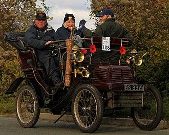 Adler (cars and motorcycle) - Adler 4 1/2HP Vis-à-vis 1901 entrant in the London to Brighton veteran car run 2010.