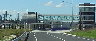 Northern Busway, Auckland - Akoranga - the footbridge leads to the western side of the motorway and AUT campus