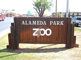 Alameda Park Zoo - Image: Alameda park zoo sign