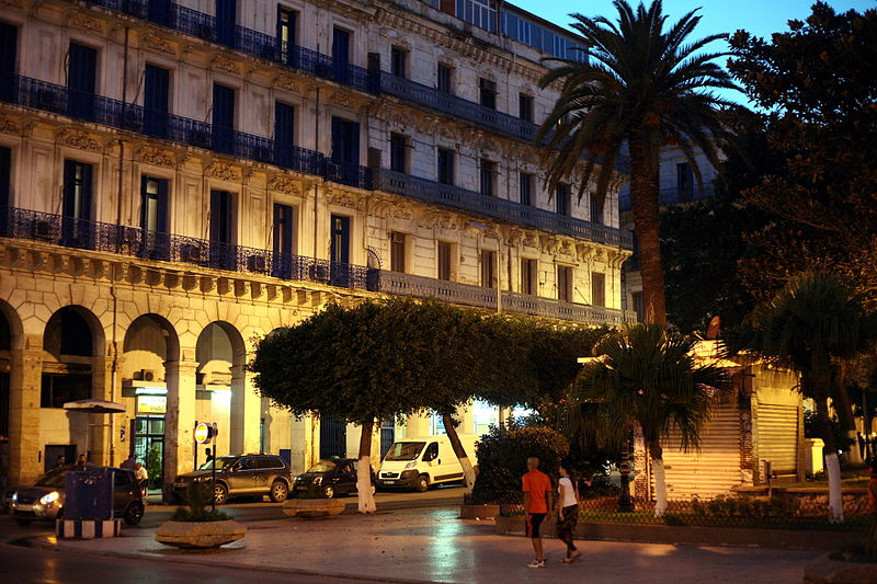 800px-Alger-port-said-nuit.jpg