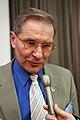 Andres Taimla, Blatiska forsamlingens president blir intervjuad.jpg