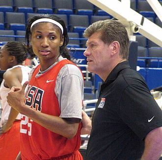 Angel McCoughtry - Image: Angel Mc Coughtry with Geno