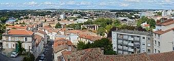 Angoulême 16 Vue du SW depuis bd Pasteur 2014.jpg