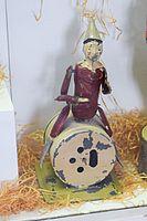 Antique wind-up clown drummer (25042187011).jpg