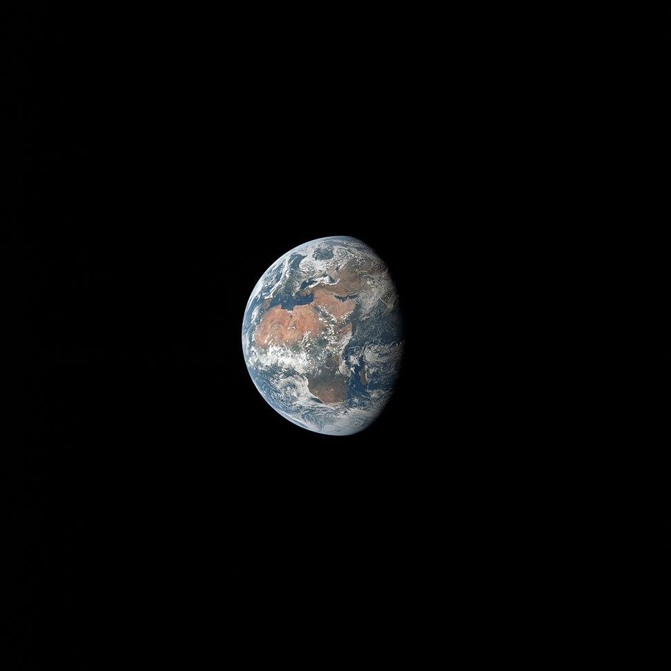 Apollo 11 Earth