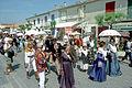 Arlésiennes en costume aux Saintes-Maries-de-la-Mer.jpg