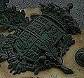 Armas da Galiza na lápida comemorativa da morte de John Moore (1909).jpg