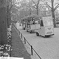Artis heeft treintje voor bezoekers die door dierentuin rondrijdt, Bestanddeelnr 915-1250.jpg