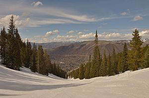 Aspen Mountain (ski area) - Image: Aspen Mountain spring skiing Copper run