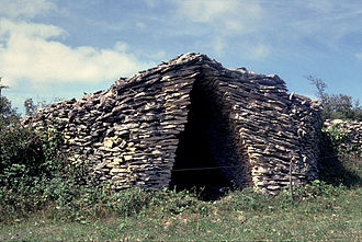 Ausseing - A dry stone hut in Ausseing
