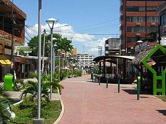 Pucallpa - Image: Avenida Tacna Pucallpa