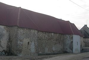 Avon-la-Pèze - An old fortified farm