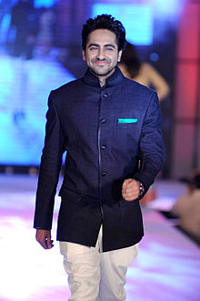 Ayushman Khurana walks for Manish Malhotra & Shaina NC's show for CPAA 23.jpg