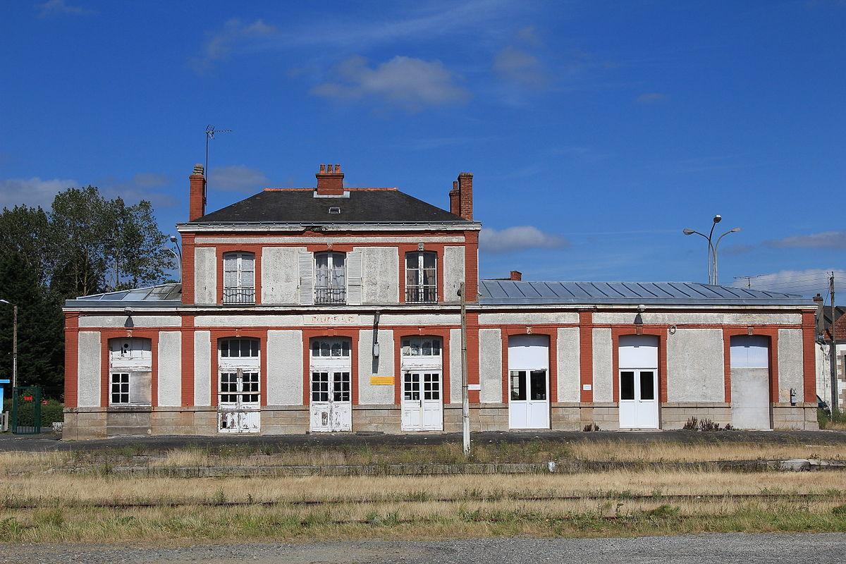 """Résultat de recherche d'images pour """"gare de loudeac"""""""