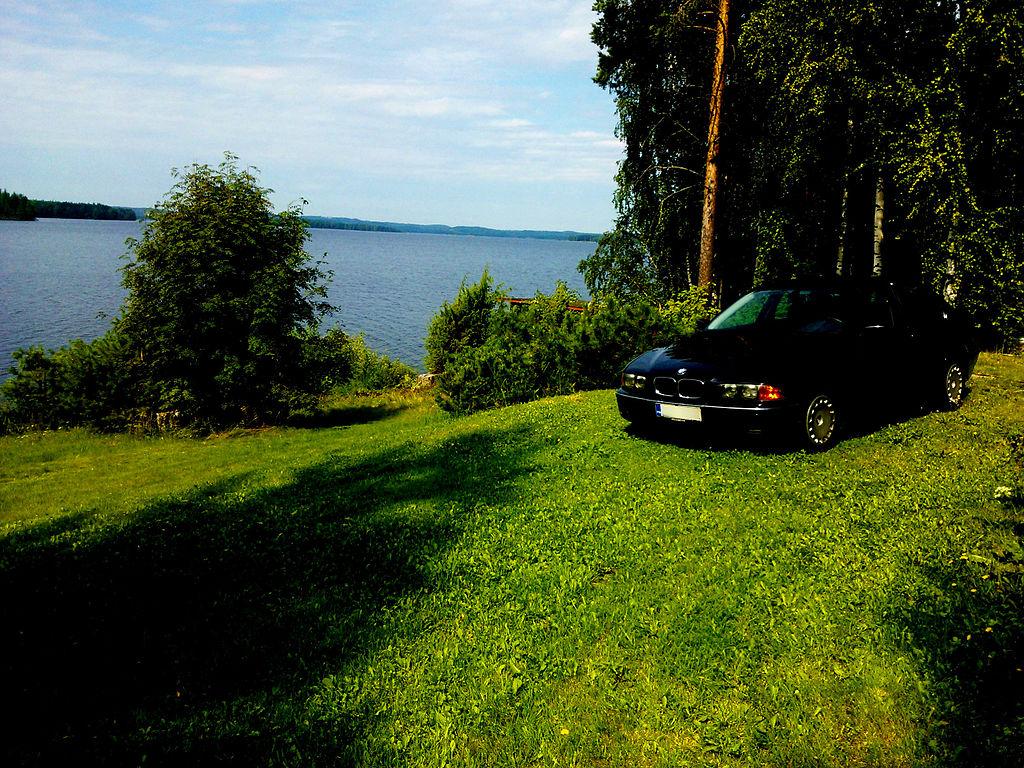 BMW E39 523i in Finland Saimaa.jpg