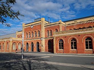 Halberstadt station - Entrance building (2013)
