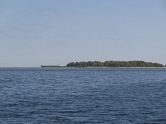 Kräsuli - Image: Baltic Sapphire at Anchor near Krasuli 20 May 2016