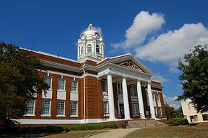 English: Barrow County Court House. Winder, GA USA