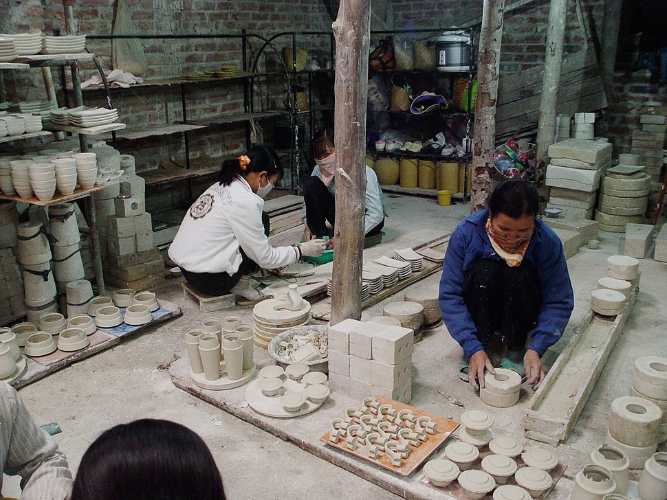 Bat-Trang-Ceramic-Village9