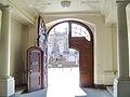 Bayreuth 22.05.07 Regierungsgebäude Eingangstor Innenseite Ludwigstrasse.jpg