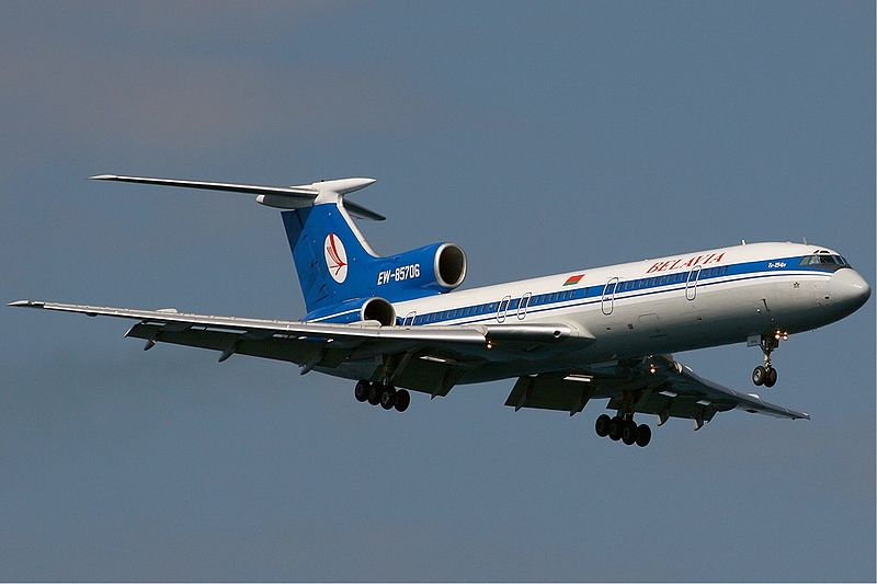 https://upload.wikimedia.org/wikipedia/commons/thumb/c/cd/Belavia_Tupolev_Tu-154M_EW-85706_KvW_12sept2006.jpg/800px-Belavia_Tupolev_Tu-154M_EW-85706_KvW_12sept2006.jpg
