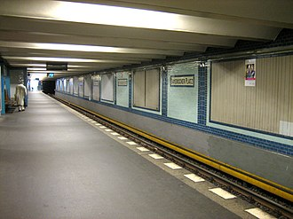 Bayerischer Platz (Berlin U-Bahn) - U4 platform, restored after World War II to close to its original appearance