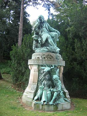 Paul et Virginie - Bernardin de Saint-Pierre memorial in the Jardin des Plantes, Paris; Paul and Virginie in the pedestal.