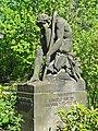 """Blasewitz Dresden Skulptur """"Der verlorene Sohn"""" von Hans Hartmann-Mac Lean (1928) an der Heiliggeistkirche, Berggartenstraße.jpg"""