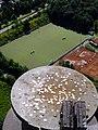 Blick vom Gasometer Oberhausen auf den Hockey-Platz des OTHC inclusive Glücksbringer - panoramio.jpg