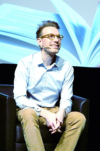 Daniel Tammet - Tammet speaking in 2016 (Montréal)