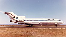 Boeing 727-100 (United Airlines) (16279316443).jpg