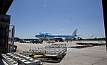 Boeing 747 KLM Cargo piezas arqueologicas.jpg