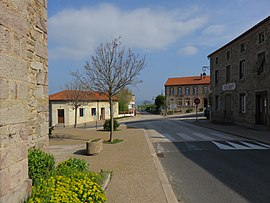 Boisset-Saint-Priest - Route D102.jpg