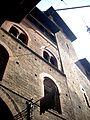 Bologna scorcio di casa medioevale.jpg