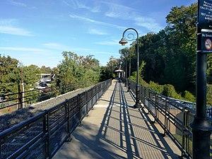 Bordentown (River Line station) - Station platform and shelter