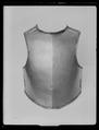 Bröstharnesk, karolinsk typ 1600-talets slut. Tillverkad av Per Collingson vid Arboga faktori - Livrustkammaren - 45080.tif