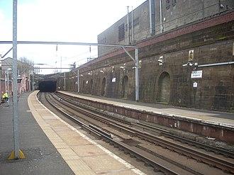 Bridgeton railway station - Bridgeton station, looking south east towards Dalmarnock
