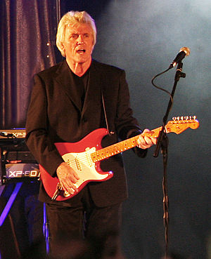 Bruce Welch - Welch performing in September 2007