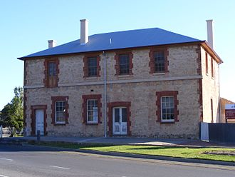 """Goolwa, South Australia - """"Australasian Hotel"""" building in Goolwa built in the Georgian architectural style, typical of the main street"""