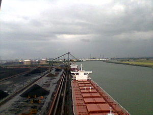 Nederlands: Bulkcarrier at EMO