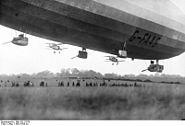 Bundesarchiv Bild 102-12878, Englisches Marineluftschiff R33