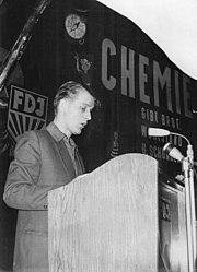Bundesarchiv Bild 183-61950-0001, 1. Konferenz junger Arbeiter und Aktivisten zur Verwirklichung des Chemieprogramms