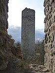 Burgruine Brandenburg-5-runder Bergfried.jpg