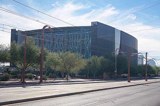 Will Bruder - Burton Barr Central Library, Phoenix, Arizona, 1995
