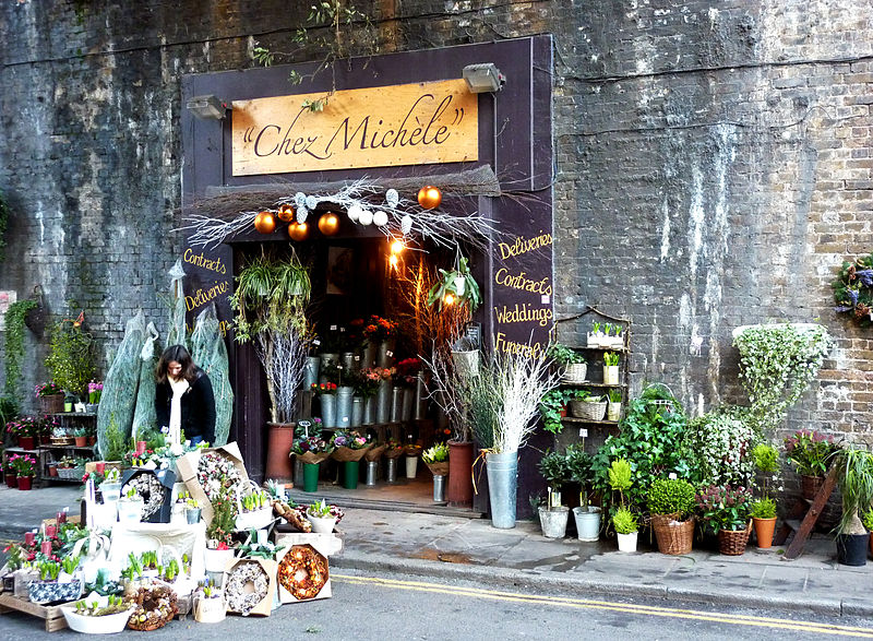 File:CHEZ MICHELE flower shop, Southwark.jpg