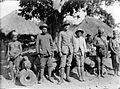 COLLECTIE TROPENMUSEUM Een Europese controleur op bezoek in een Manggarai-kampong Flores TMnr 10001934.jpg