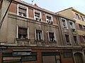 Calle Torno en Vitoria-Gasteiz, ventanas edificio hormigón.jpg