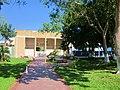 Caminando por el Parque de la Bandera, Chetumal, Q. Roo - panoramio.jpg