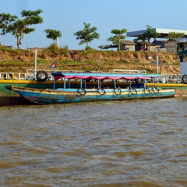 File:Canal to Tonle Sap Lake, Siem Reap, Cambodia - panoramio (3).jpg